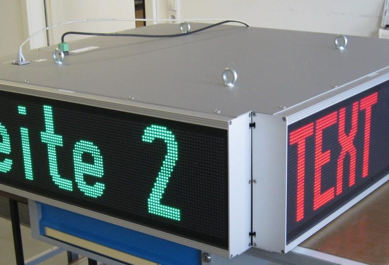 LED Anzeige als Infoblock in Hallen